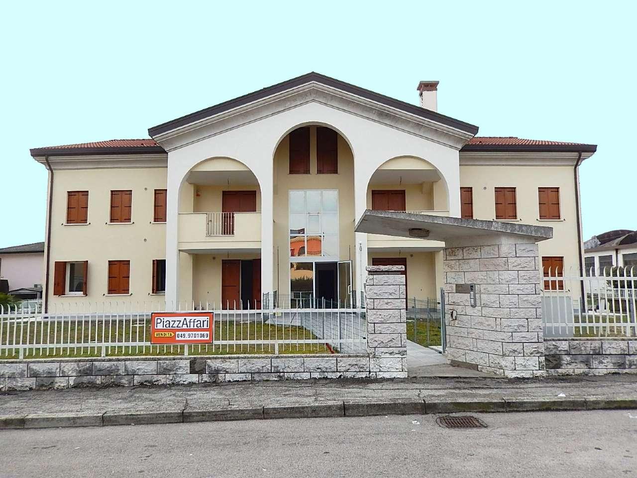 Appartamento in vendita a Sant'Angelo di Piove di Sacco, 5 locali, Trattative riservate | Cambio Casa.it