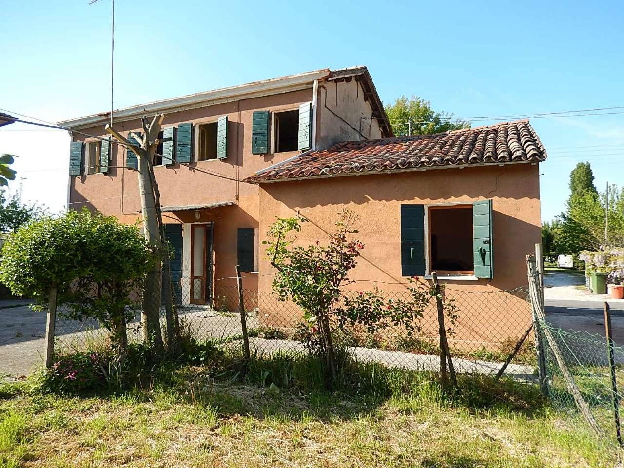 Rustico / Casale in vendita a Arzergrande, 3 locali, prezzo € 70.000 | CambioCasa.it