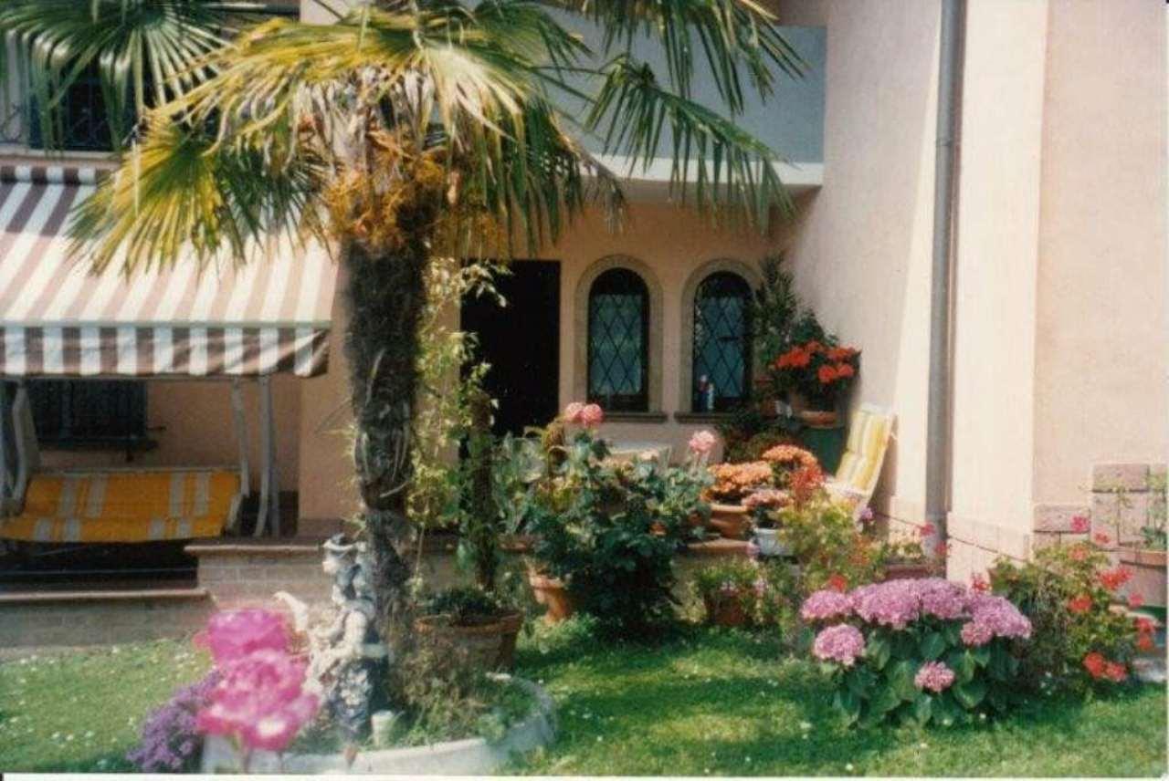 Villa in vendita a Pandino, 8 locali, prezzo € 530.000 | Cambio Casa.it