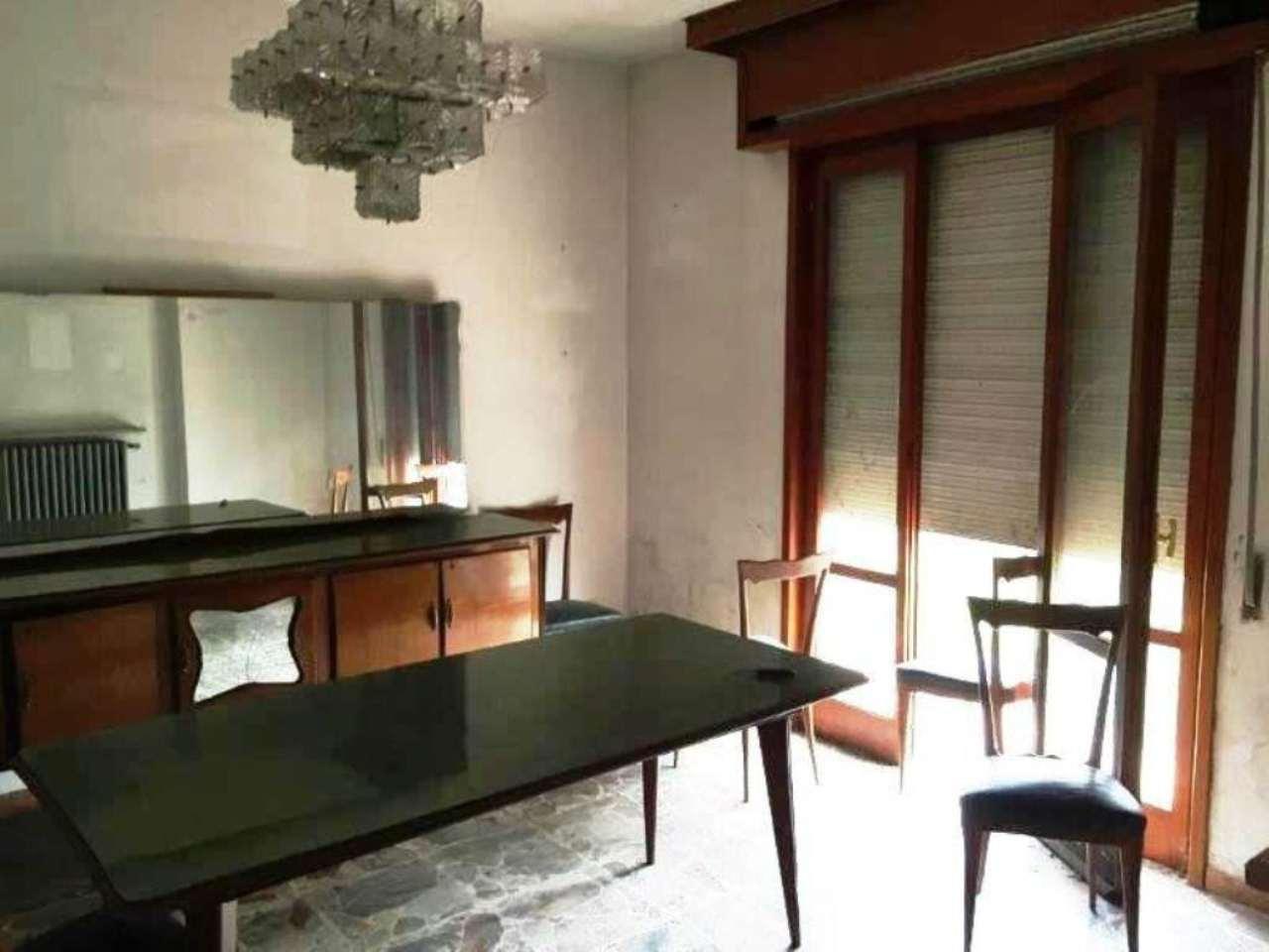 Villa in vendita a Pandino, 4 locali, prezzo € 150.000 | Cambio Casa.it