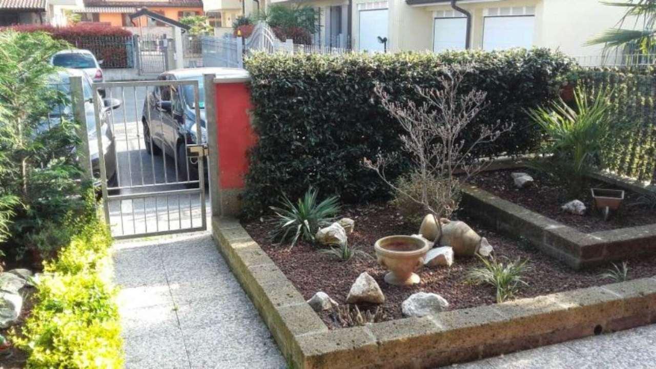 Villa a Schiera in vendita a Monte Cremasco, 5 locali, prezzo € 195.000 | Cambio Casa.it