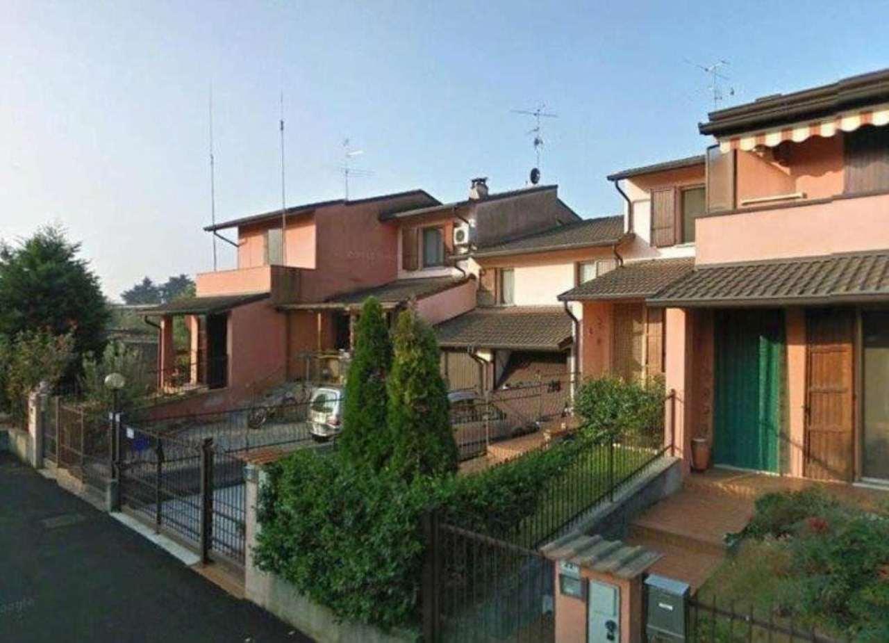 Villa a Schiera in vendita a Casaletto Vaprio, 5 locali, prezzo € 145.000 | Cambio Casa.it