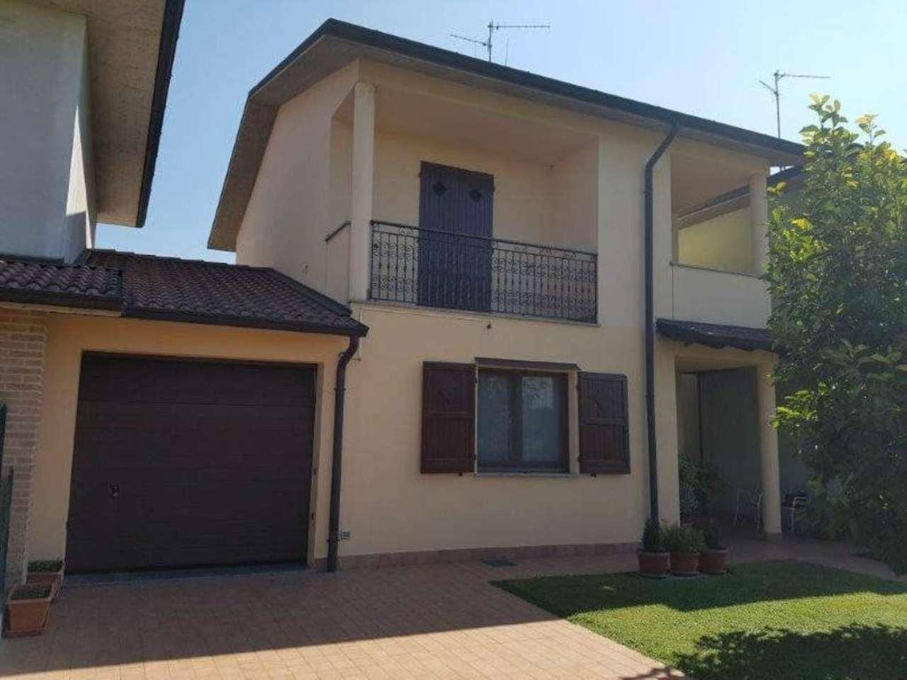 Villa in vendita a Cremosano, 4 locali, prezzo € 215.000 | Cambio Casa.it
