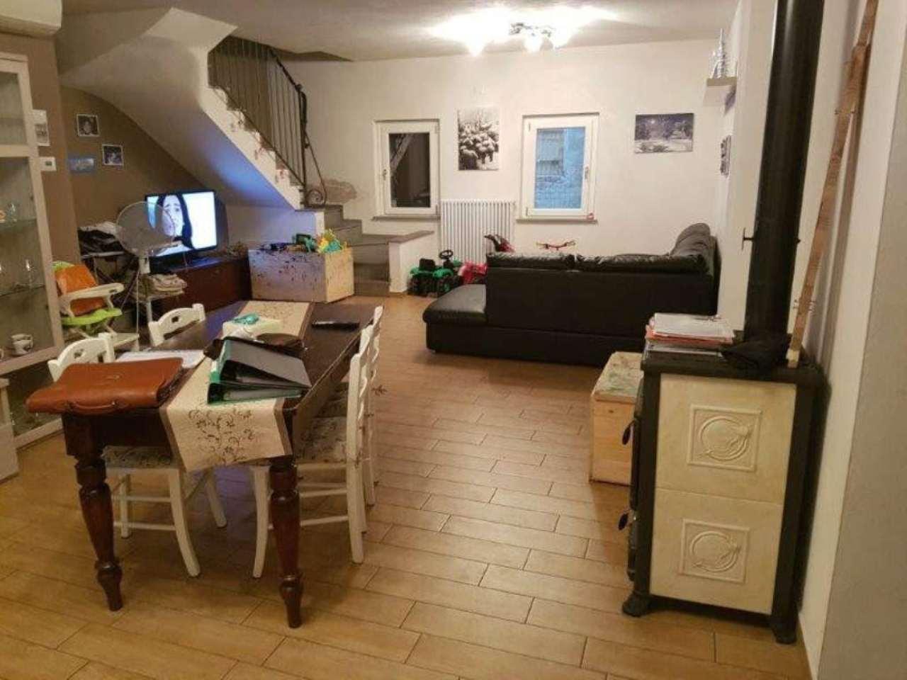Soluzione Indipendente in vendita a Montodine, 8 locali, prezzo € 260.000 | Cambio Casa.it