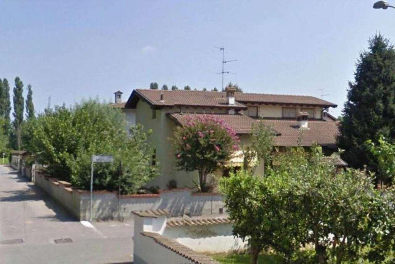 Villa in vendita a Crema, 5 locali, prezzo € 300.000 | Cambio Casa.it
