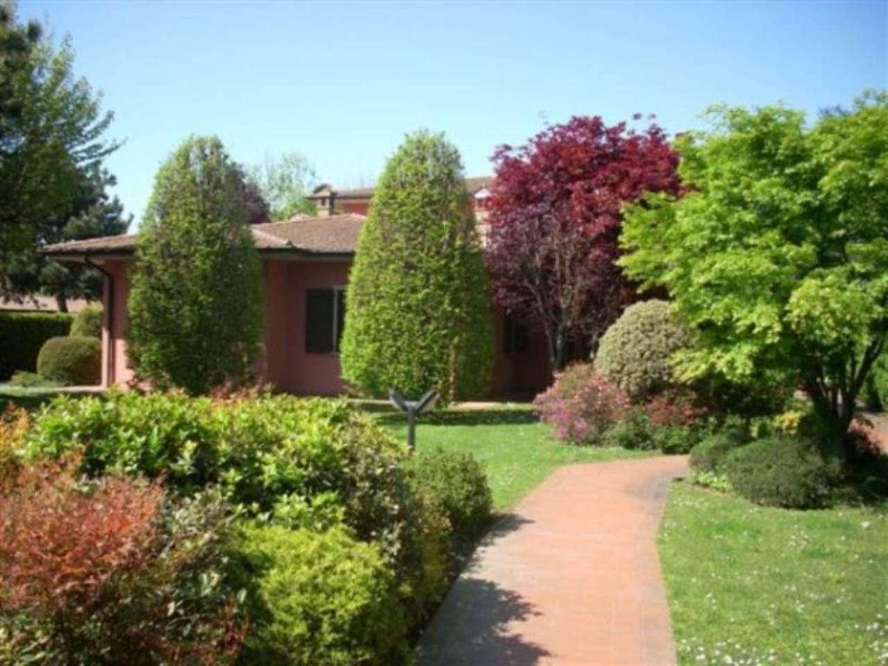 Villa in vendita a Crema, 6 locali, prezzo € 380.000 | Cambio Casa.it
