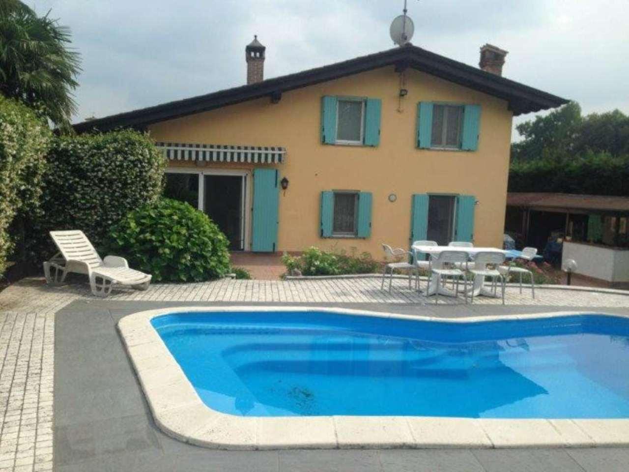 Villa in vendita a Pandino, 4 locali, prezzo € 420.000 | Cambio Casa.it
