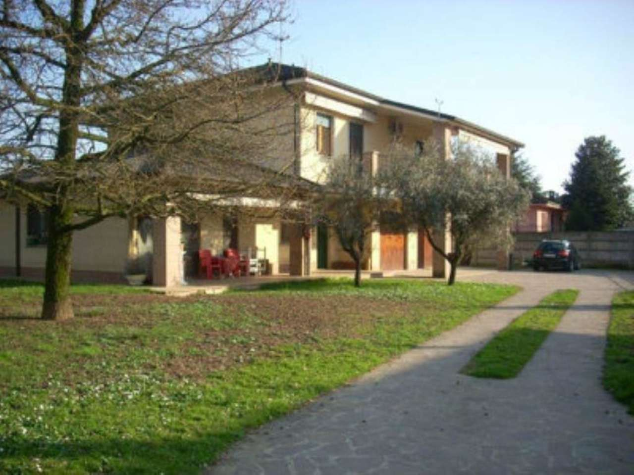 Villa in vendita a Pandino, 8 locali, prezzo € 400.000 | Cambio Casa.it