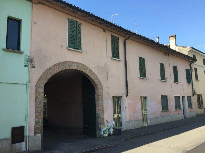 Soluzione Indipendente in vendita a Pianengo, 12 locali, prezzo € 250.000 | Cambio Casa.it