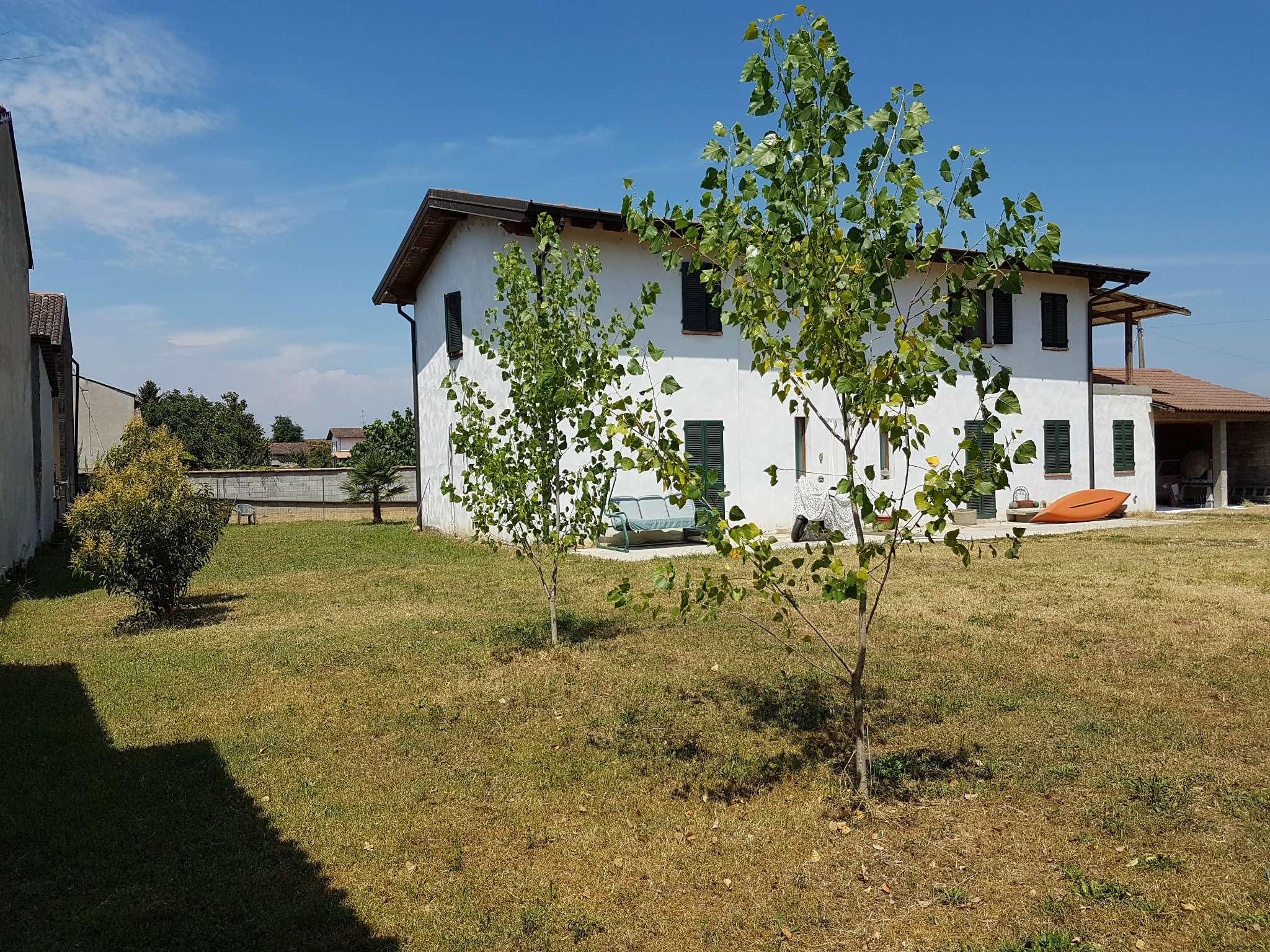 Soluzione Indipendente in vendita a Castelleone, 6 locali, prezzo € 220.000 | Cambio Casa.it