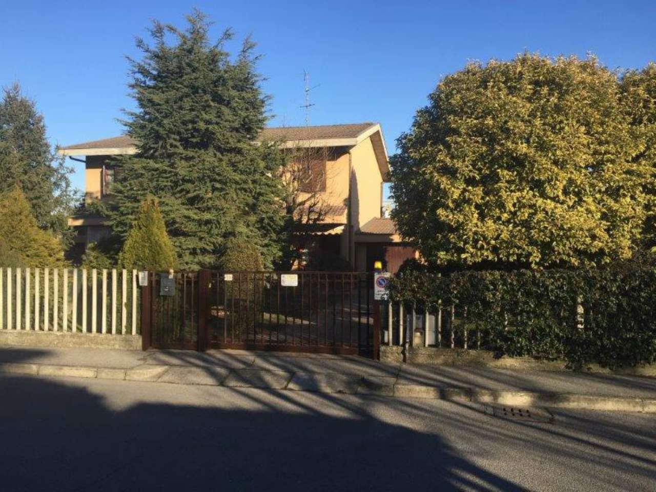 Villa Bifamiliare in Vendita a Pandino