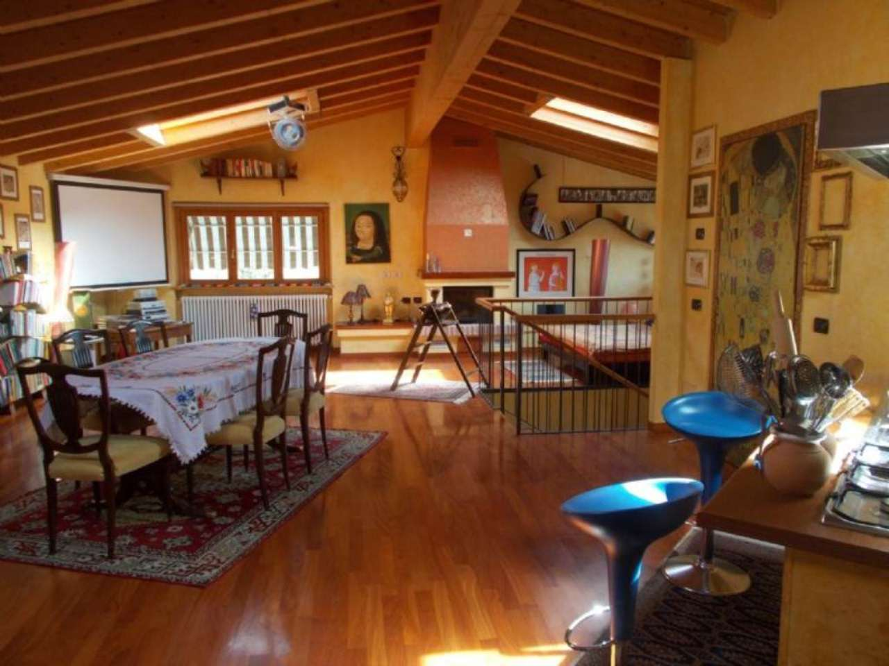 Immobili residenziali in vendita a castelleone for Costo per costruire 5 case a schiera