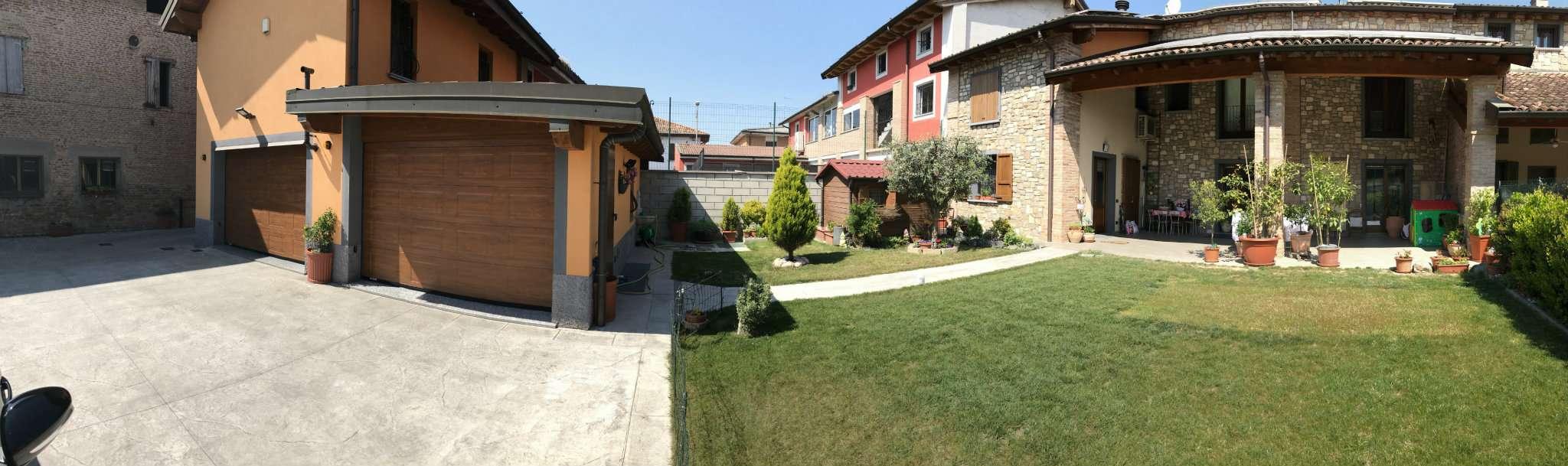 Soluzione Indipendente in vendita a Romano di Lombardia, 8 locali, Trattative riservate | Cambio Casa.it