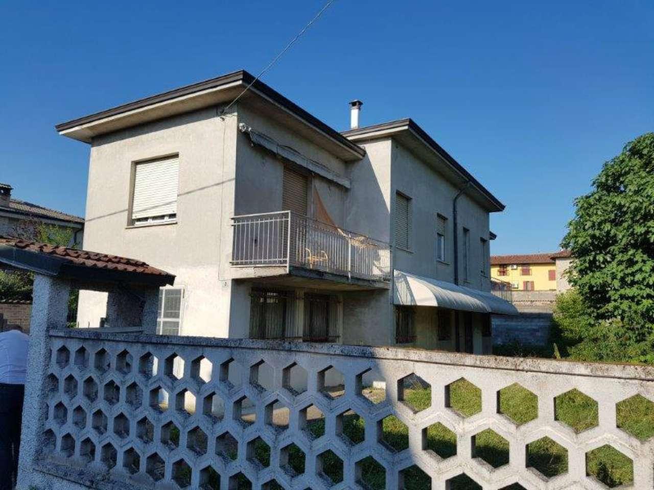 Villa in Vendita a Madignano