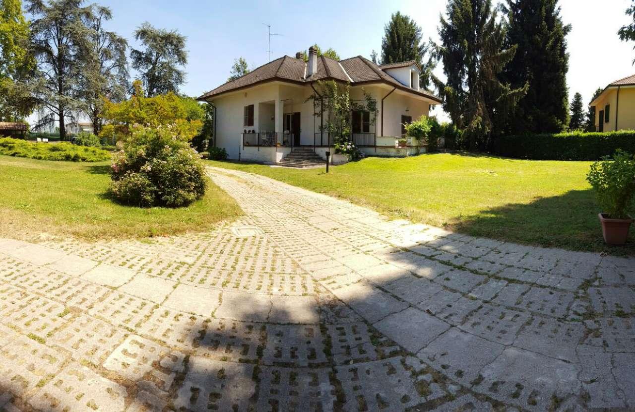 Villa in vendita a Crema, 6 locali, Trattative riservate | CambioCasa.it