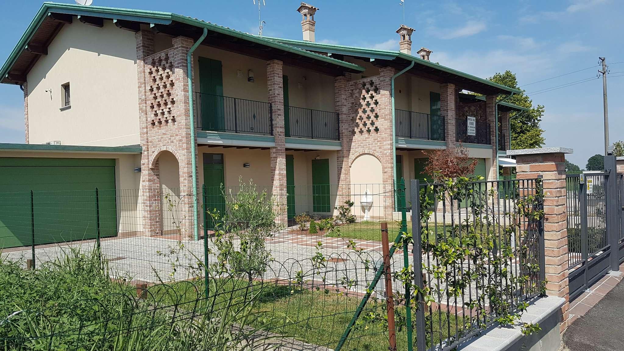 Villa in Vendita a Ripalta Cremasca