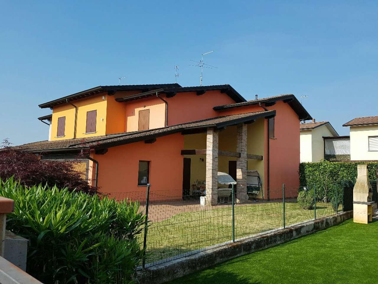 Villa in vendita a Crema, 4 locali, prezzo € 240.000 | CambioCasa.it
