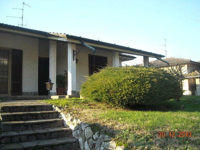 Villa in vendita a Lodi, 5 locali, prezzo € 245.000   CambioCasa.it
