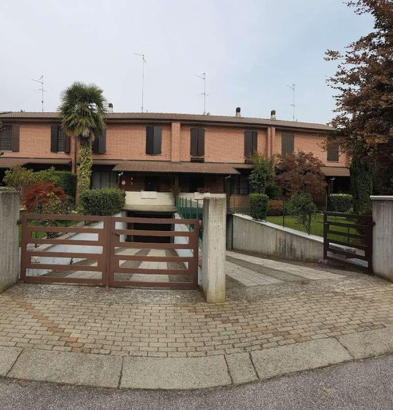 Villa a Schiera in Vendita a Crema