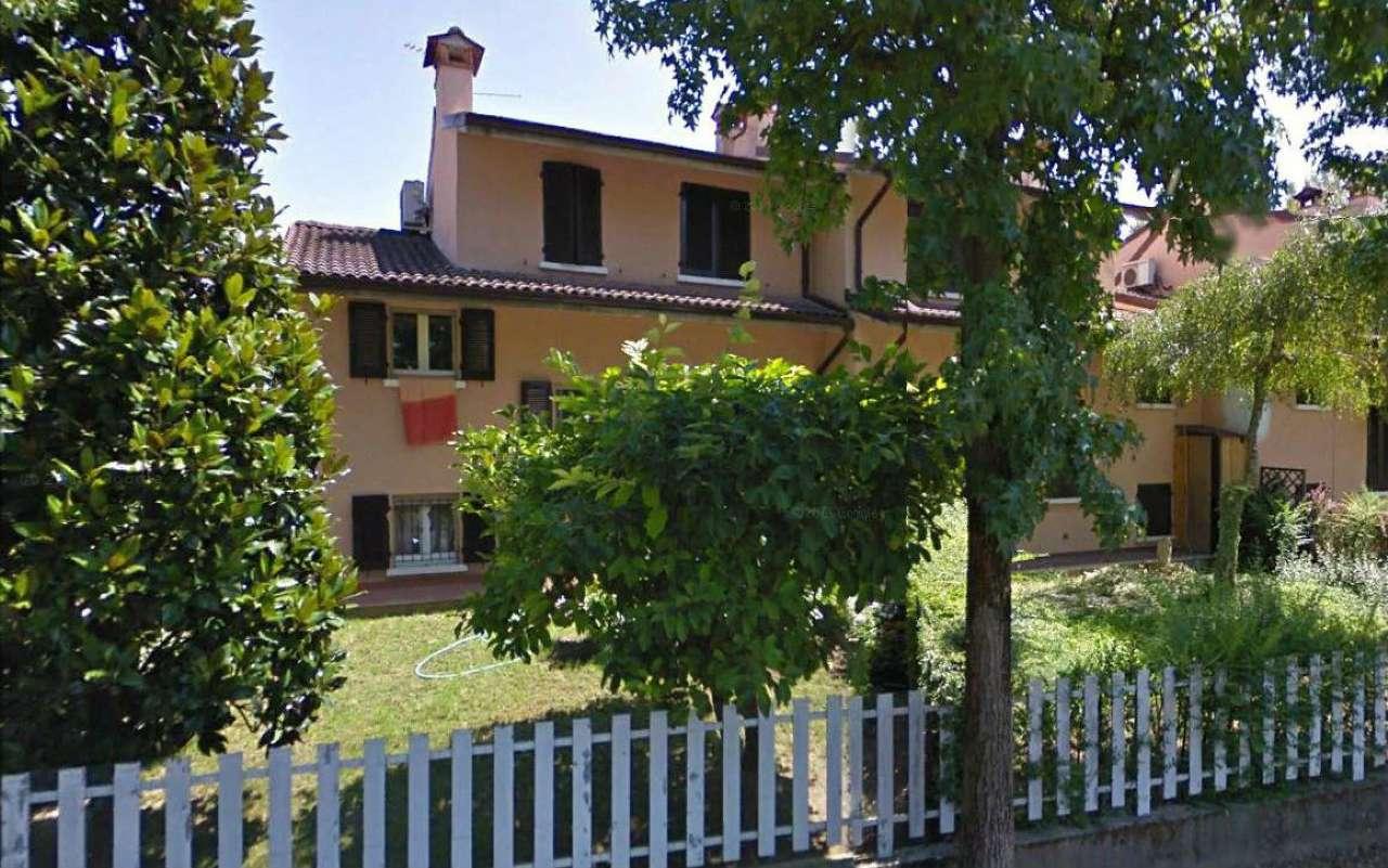 Villa Bifamiliare in Vendita a Castelleone