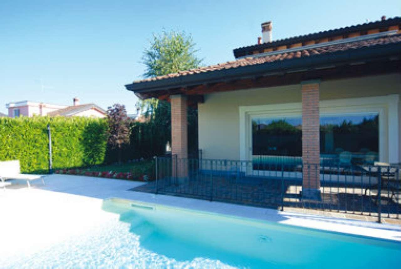 Villa in vendita a Caravaggio, 5 locali, prezzo € 280.000 | CambioCasa.it