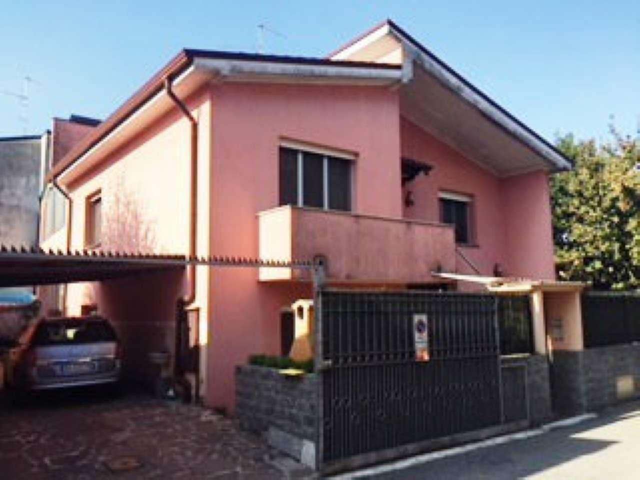 Villa in Vendita a Palazzo Pignano