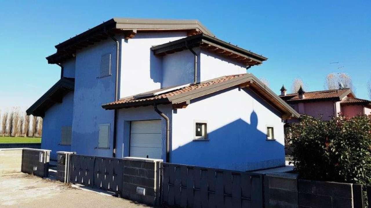Villa in vendita a Ripalta Guerina, 4 locali, prezzo € 210.000 | CambioCasa.it
