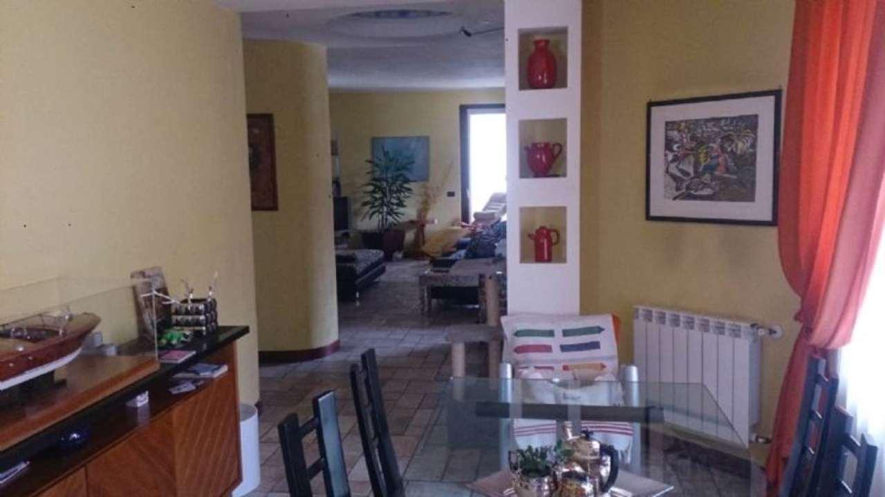 Rustico / Casale in vendita a Monte Cremasco, 5 locali, prezzo € 495.000 | CambioCasa.it