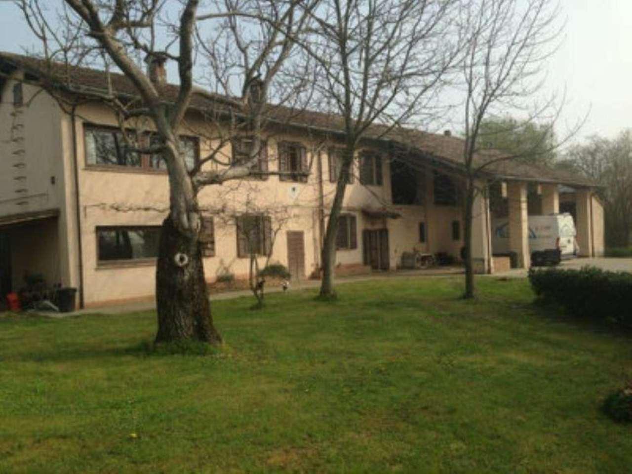 Rustico / Casale in vendita a Crema, 8 locali, prezzo € 530.000 | CambioCasa.it