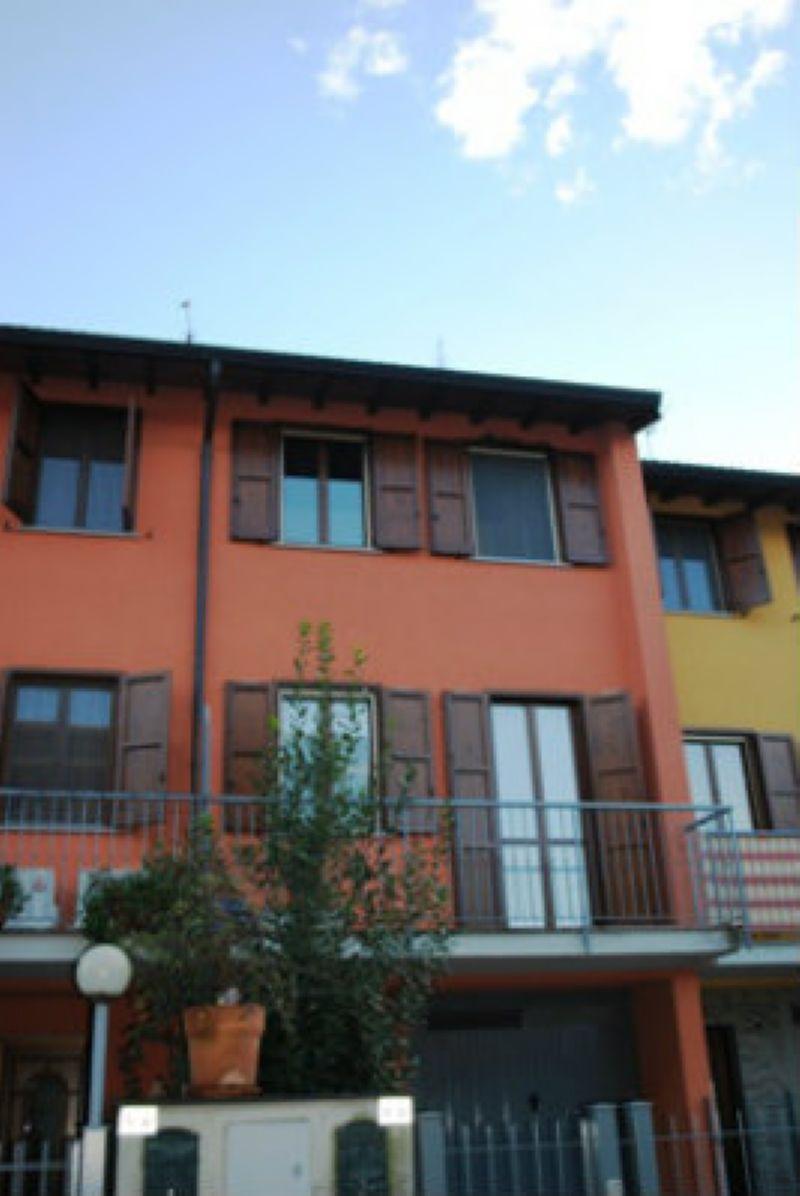 Villa a Schiera in vendita a Monte Cremasco, 5 locali, prezzo € 170.000 | Cambio Casa.it