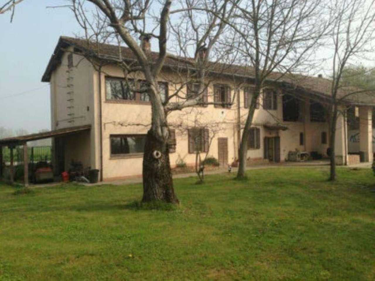 Rustico / Casale in vendita a San Donato Milanese, 9 locali, prezzo € 530.000 | Cambio Casa.it