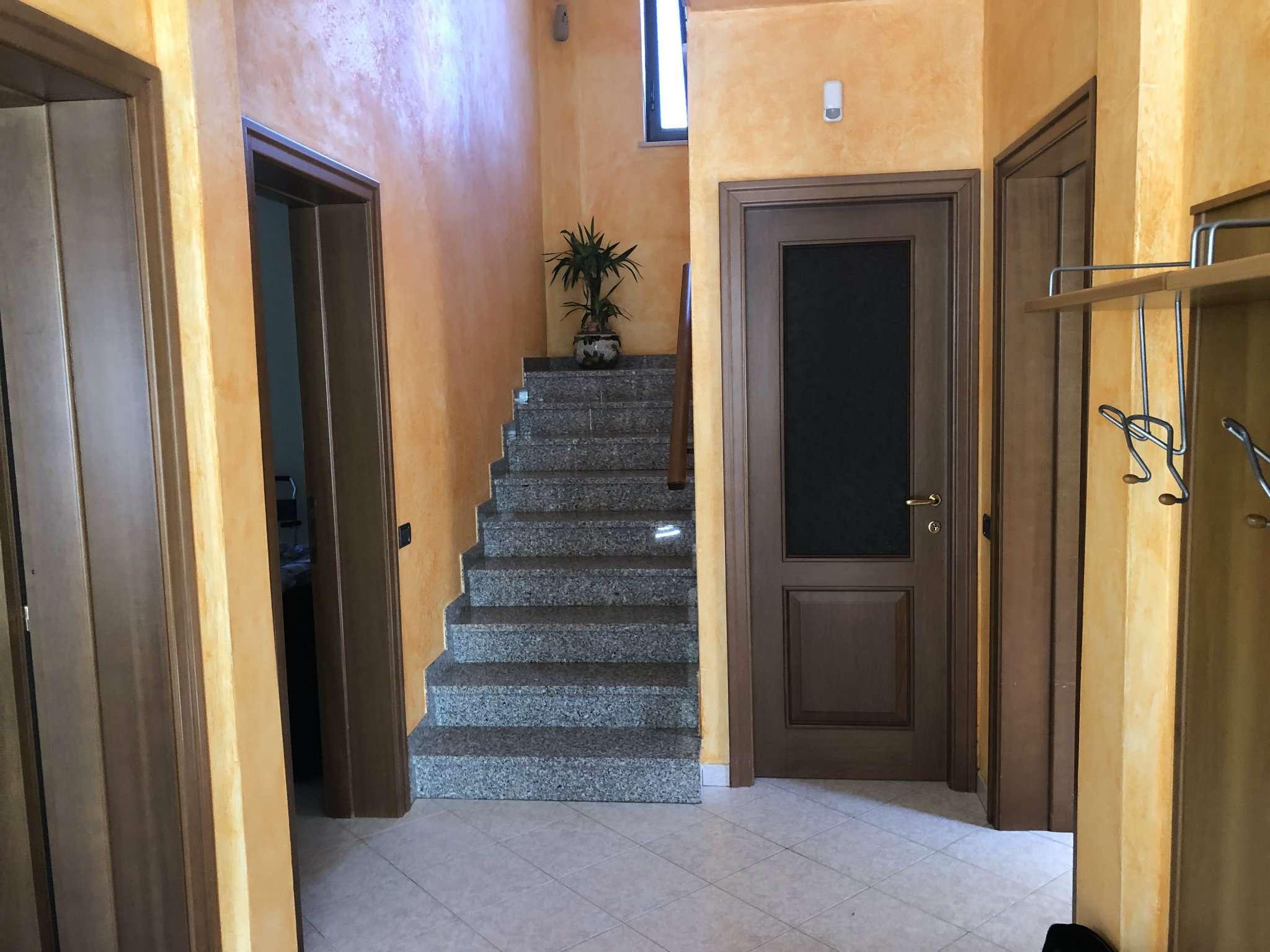 Foto 1 di Villa via Leopardi, Caravate