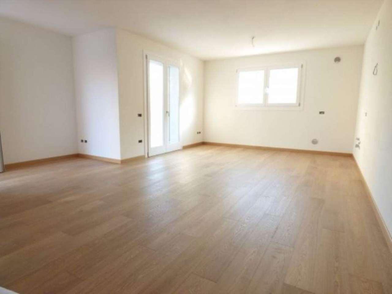 Villa in vendita a Mestrino, 5 locali, prezzo € 285.000 | CambioCasa.it