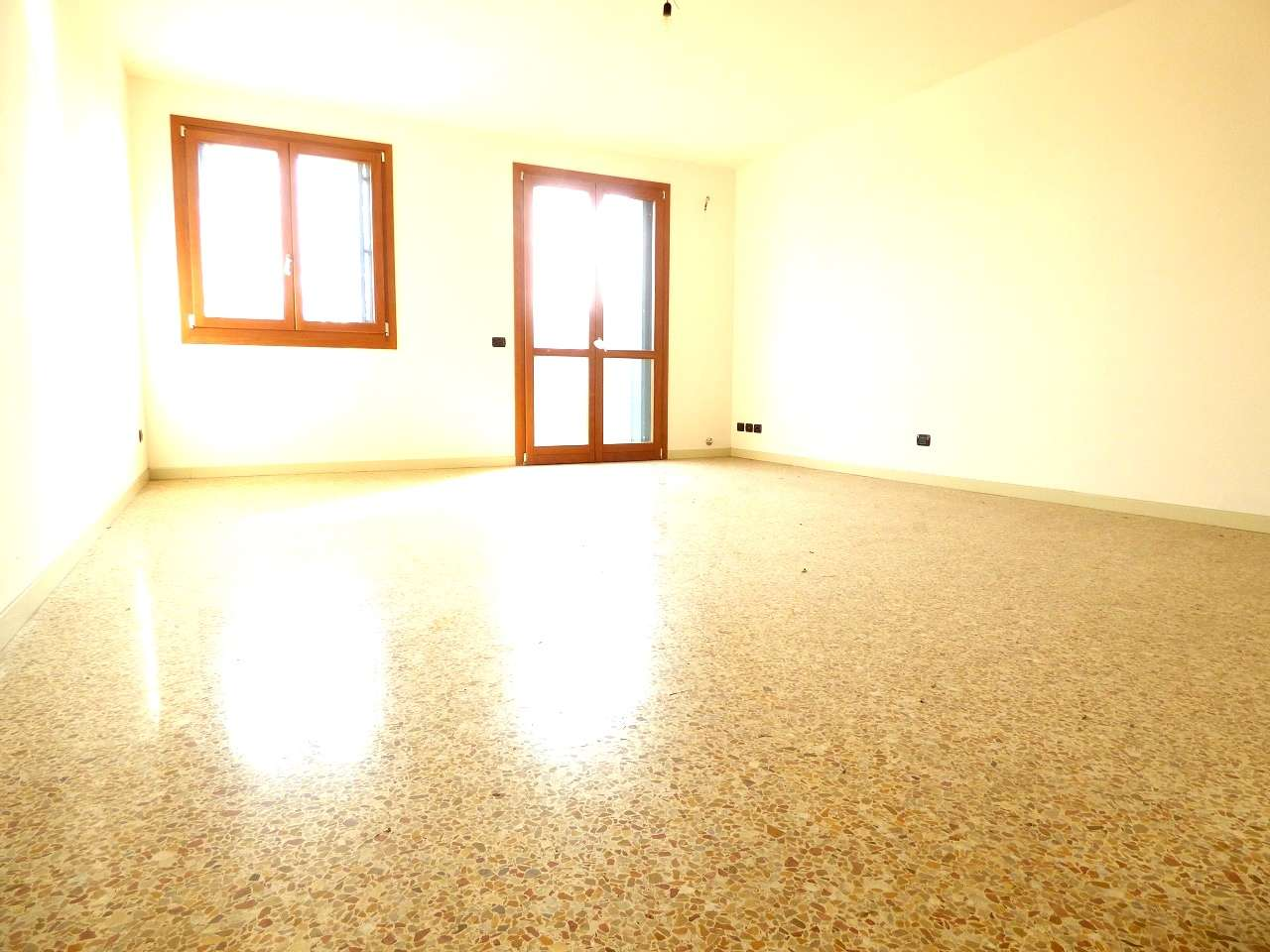 Soluzione Indipendente in vendita a Selvazzano Dentro, 6 locali, prezzo € 335.000 | CambioCasa.it