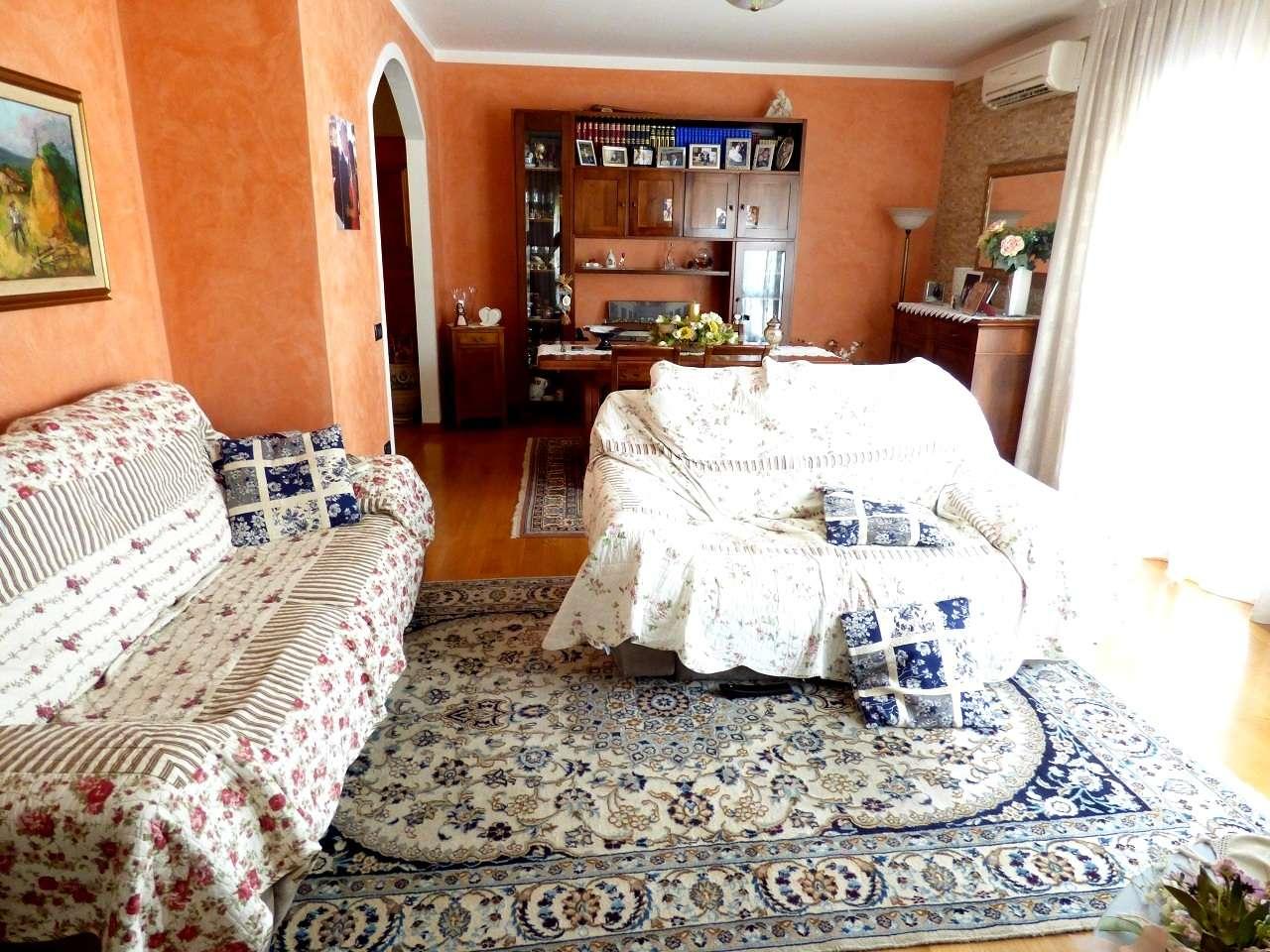 Appartamento in vendita a Mestrino, 4 locali, prezzo € 190.000 | CambioCasa.it