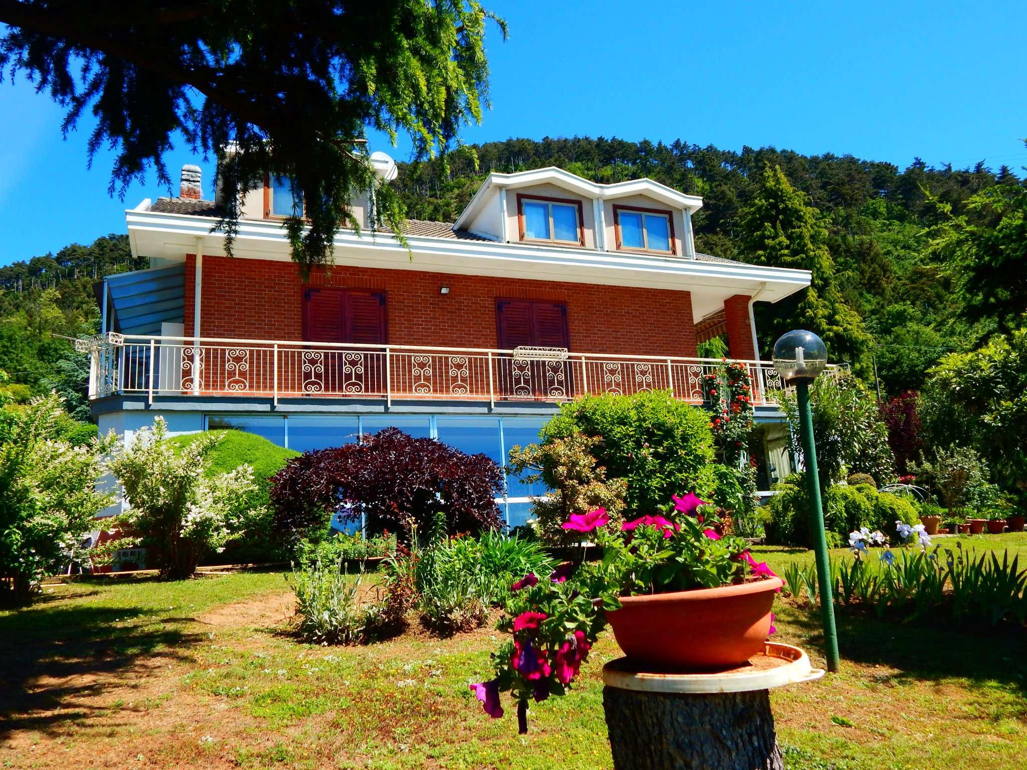 Villa in vendita a Piossasco, 9999 locali, prezzo € 600.000 | CambioCasa.it