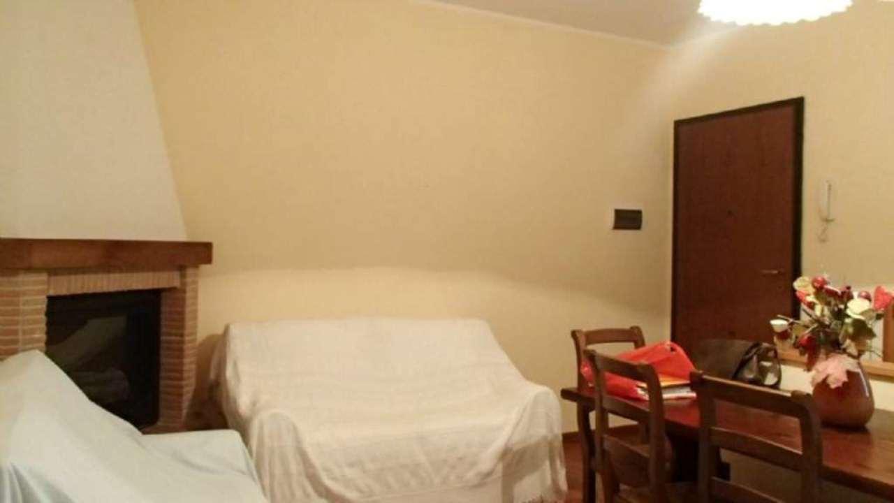 Bilocale Campi Bisenzio Corte Via Pistoiese 3