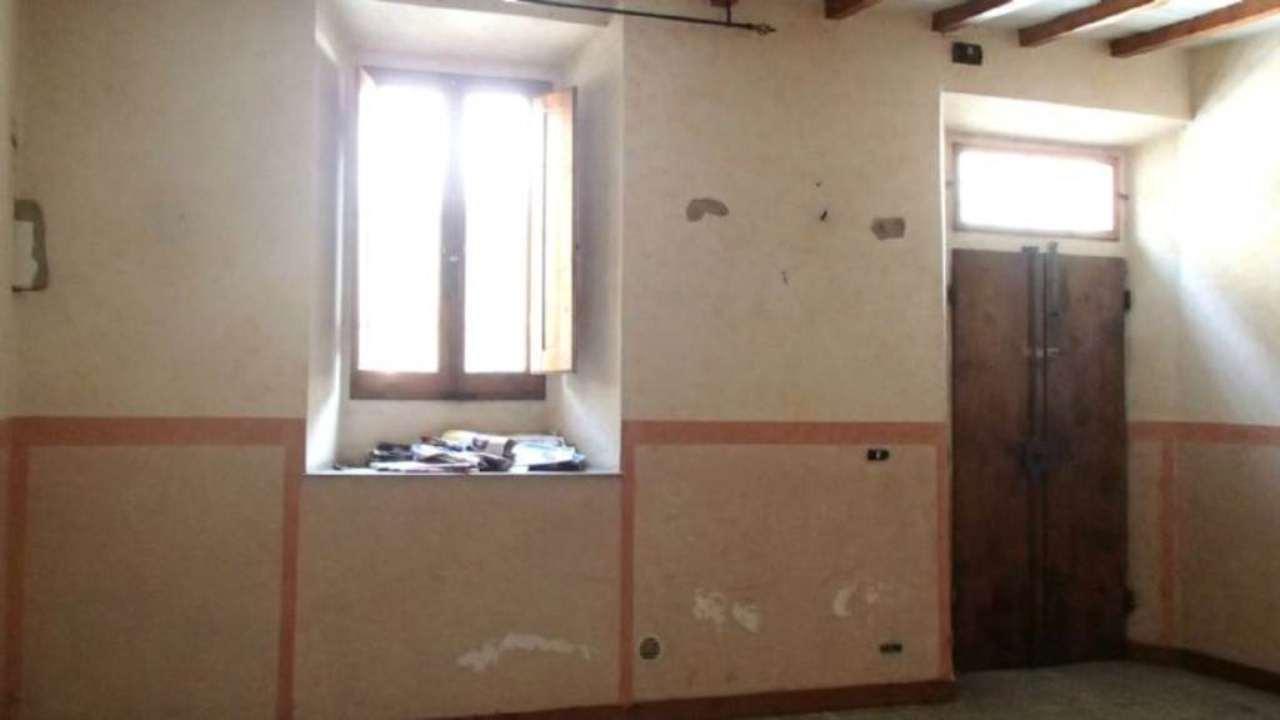 Palazzo / Stabile in vendita a Firenze, 4 locali, zona Zona: 2 . Piana di Castello, Pistoiese, Le Piagge, prezzo € 128.000 | Cambio Casa.it
