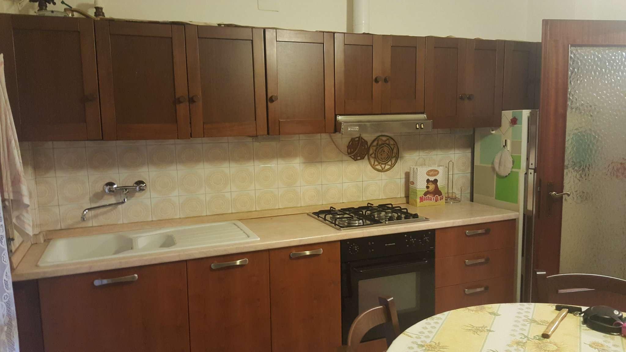 Appartamento in affitto a Modena, 4 locali, prezzo € 600 | Cambio Casa.it