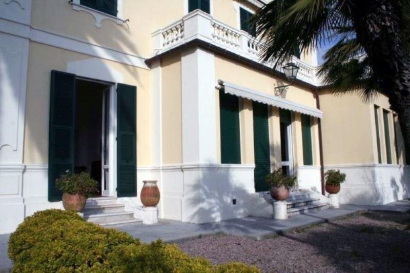 Appartamento in affitto a Santa Margherita Ligure, 10 locali, prezzo € 3.000 | CambioCasa.it