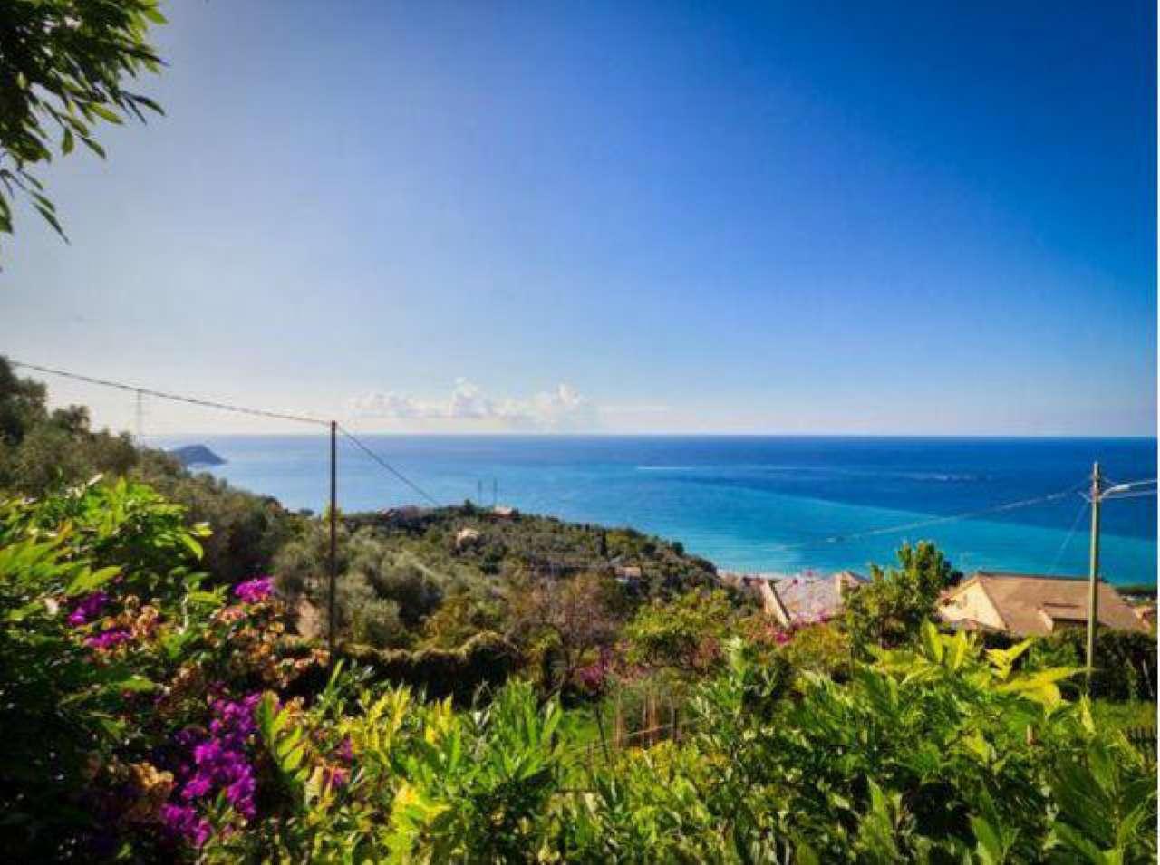 Villa in vendita a Lavagna, 9 locali, prezzo € 1.100.000 | CambioCasa.it