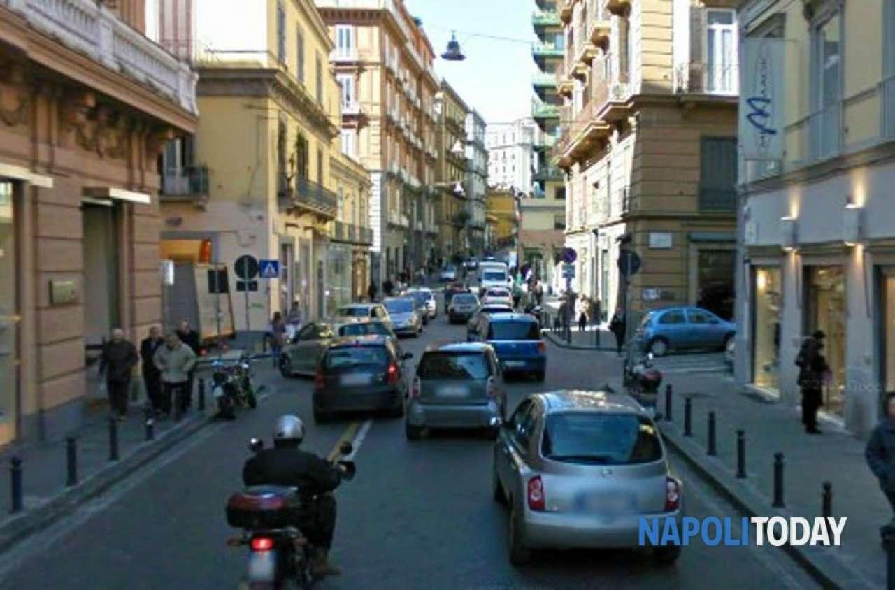 Appartamento in vendita 4 vani 150 mq.  via dei mille Napoli