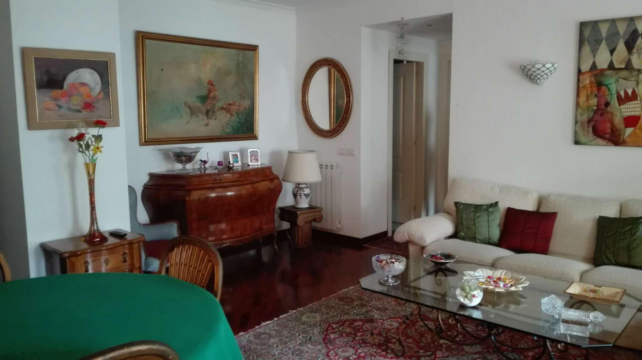 Appartamento in vendita 4 vani 90 mq.  parco san paolo Napoli