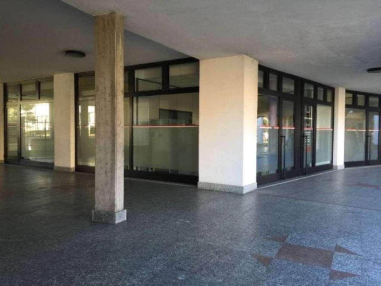 Negozio / Locale in affitto a Olgiate Olona, 6 locali, prezzo € 4.600 | Cambio Casa.it