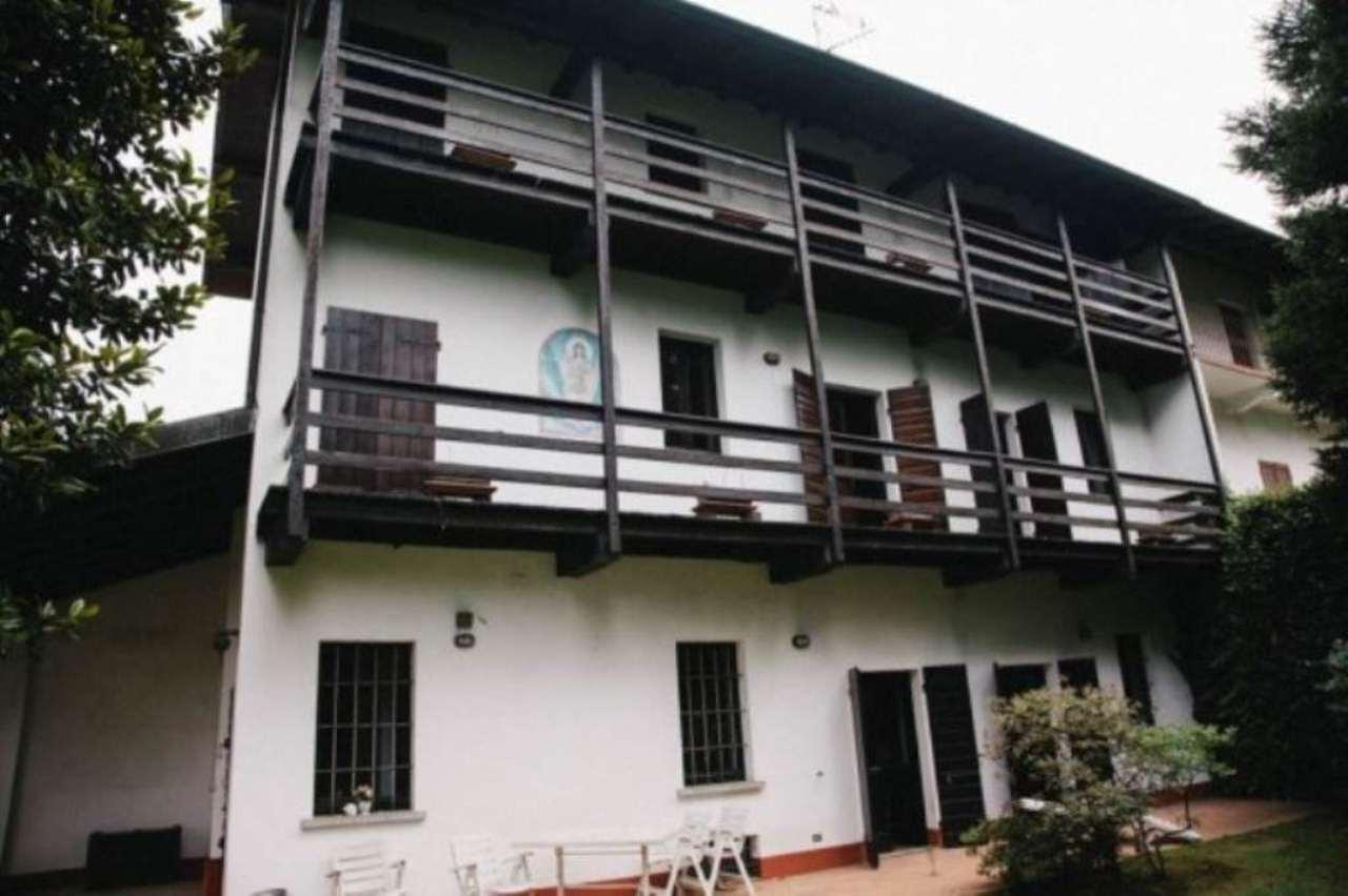 Rustico / Casale in vendita a Varallo Pombia, 6 locali, prezzo € 300.000 | Cambio Casa.it