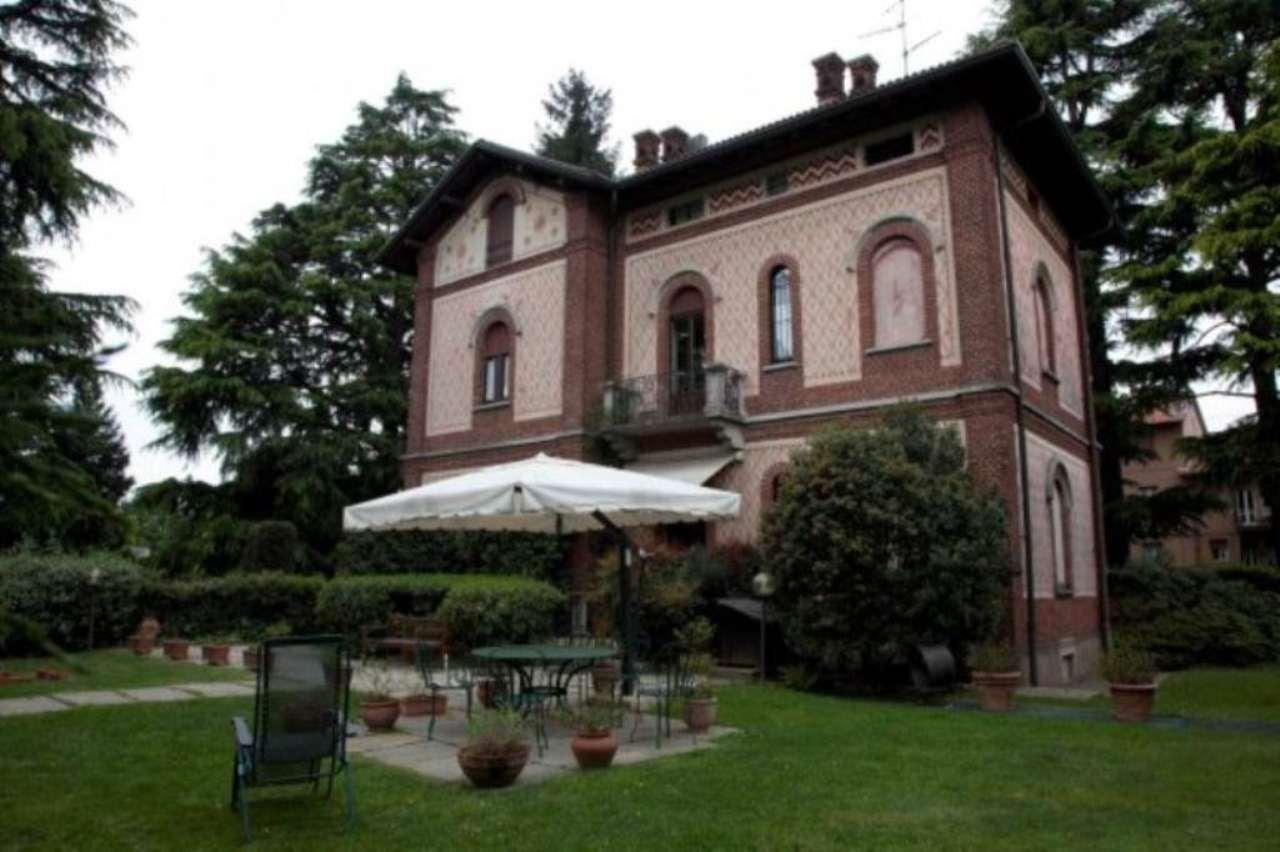 Villa in vendita a Cassano Magnago, 6 locali, Trattative riservate | Cambio Casa.it