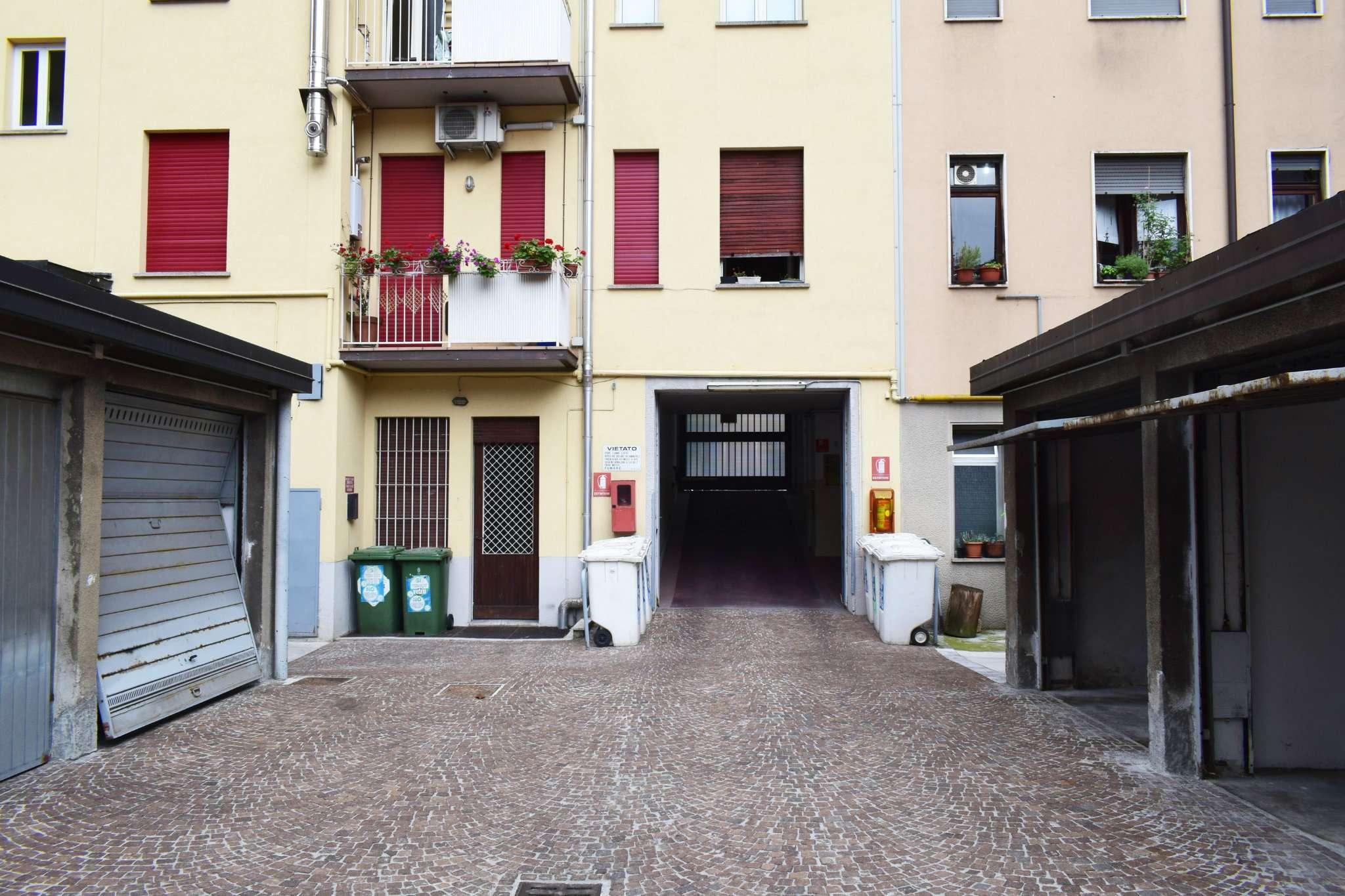Box garage milano affitto 170 zona 1 centro storico for Garage in affitto