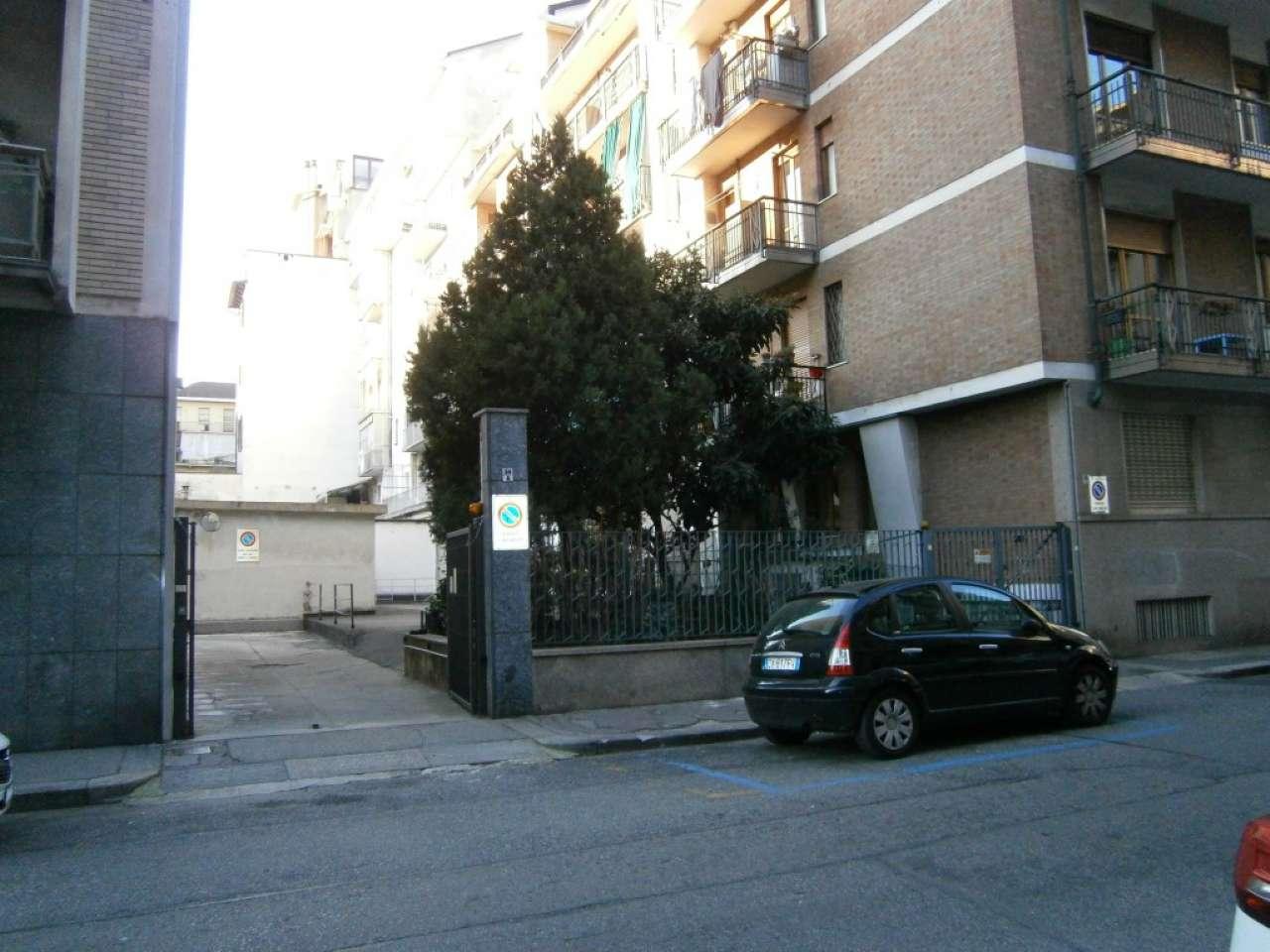 Foto 1 di Box / Garage via Collegno Giacinto 34, Torino (zona Cit Turin, San Donato, Campidoglio)