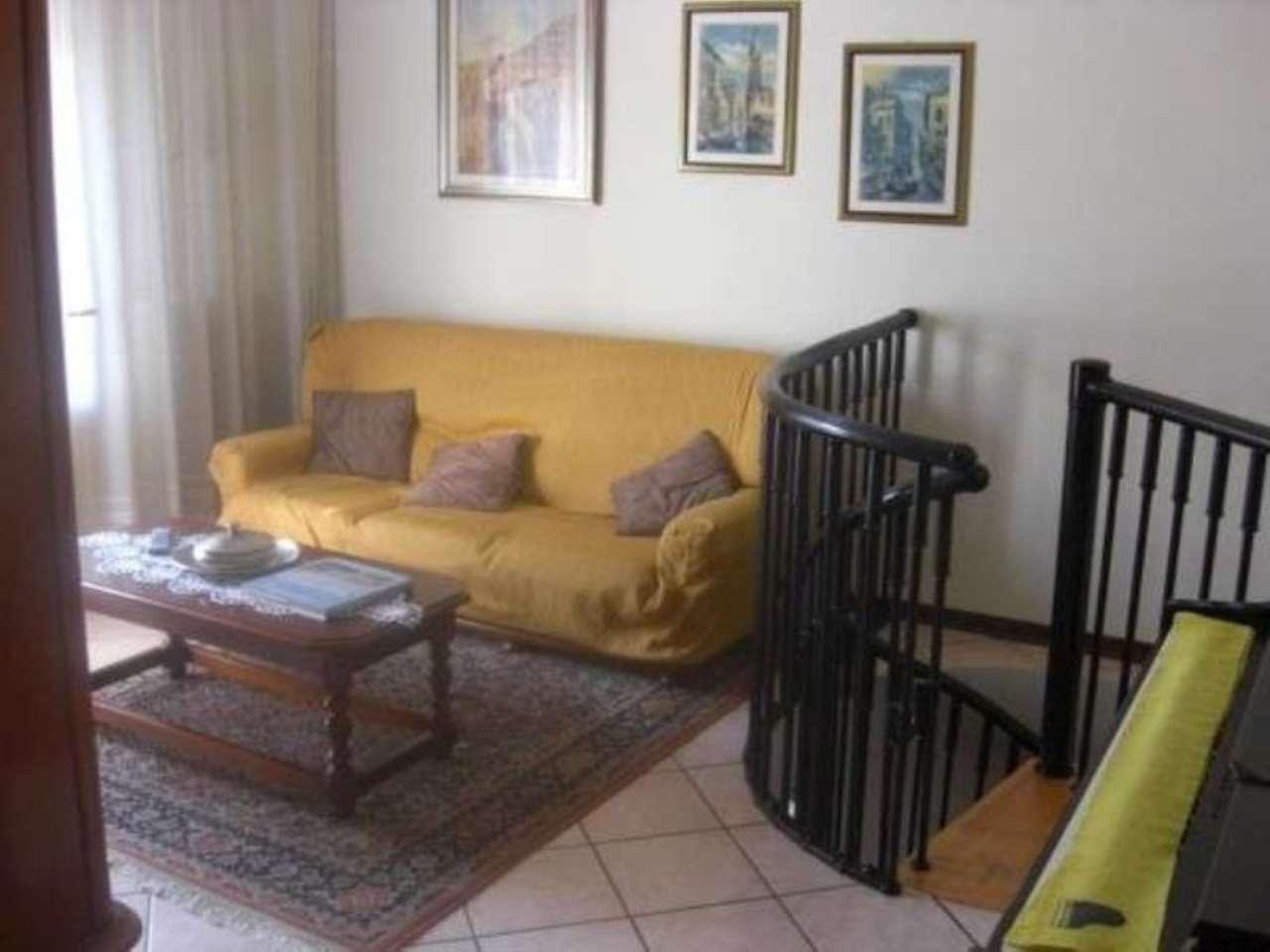 Soluzione Indipendente in vendita a Dolo, 4 locali, prezzo € 250.000 | Cambio Casa.it