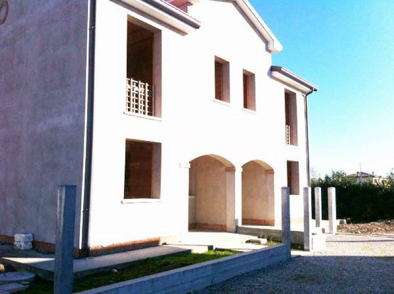 Villa in vendita a Camponogara, 4 locali, prezzo € 105.000 | CambioCasa.it